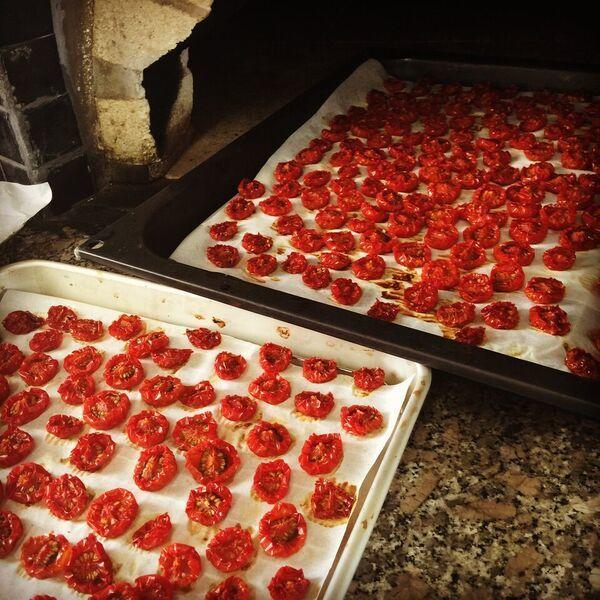 ほんちゃん窯焼きセミドライトマト