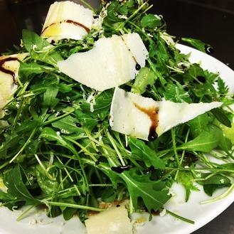 ルーコラとパルミジャーノのサラダ